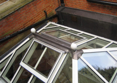 Double roof vents