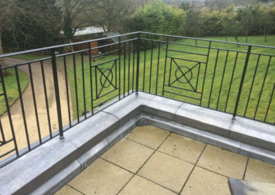 Leaded coping stone